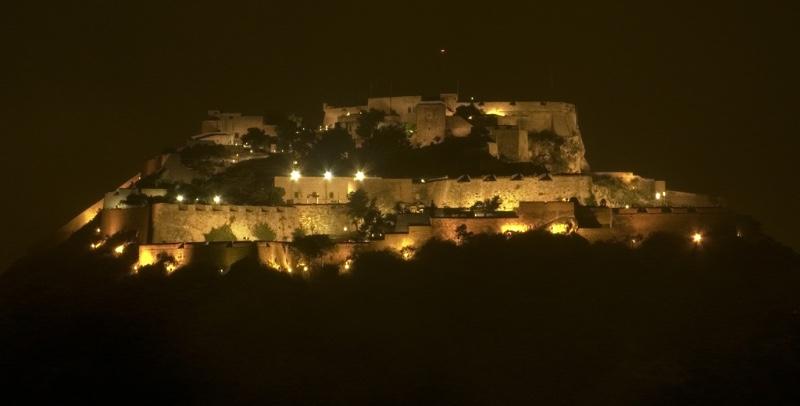 alicante castle at night