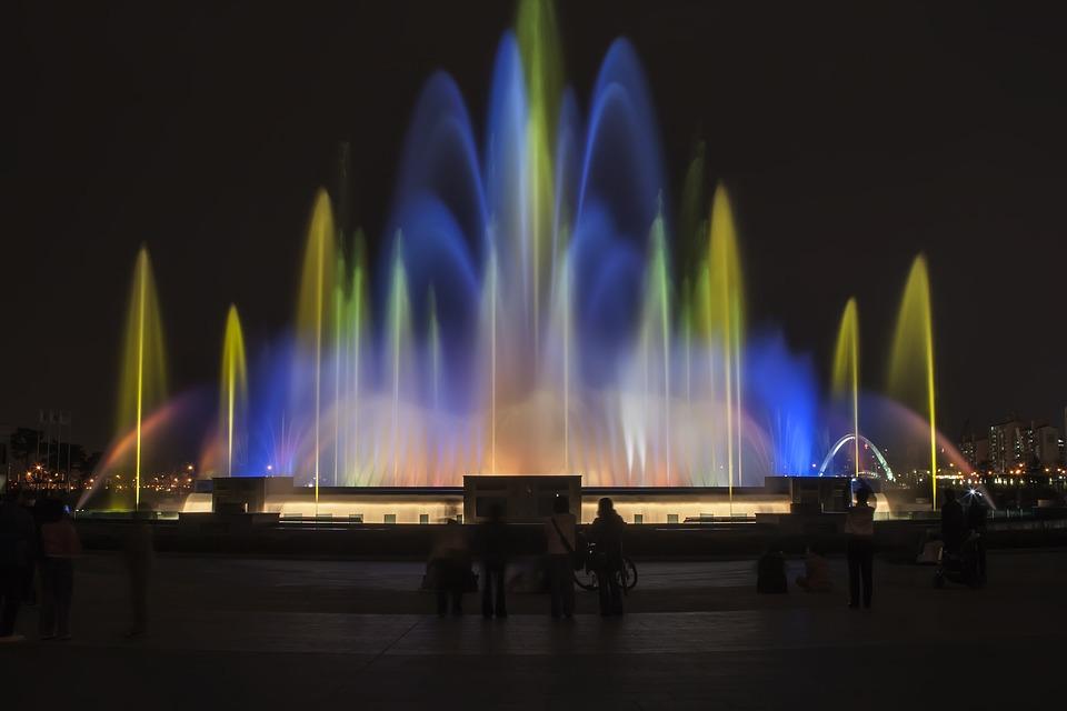 Lake Park fountain